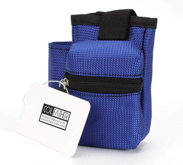 Sacoche rangement kit cigarette électronique couleur bleu